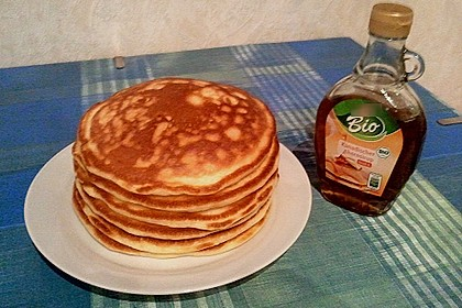 Amerikanische Pancakes 275