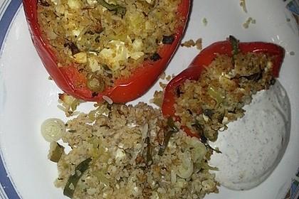 Gefüllte Paprika mit Bulgur und Feta 16