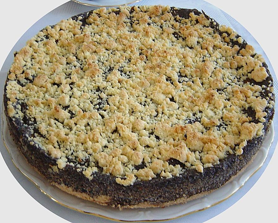 Kuchen mit mohnback und pudding
