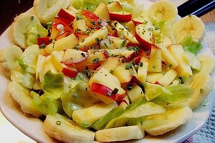Eisbergsalat mit fruchtiger Note und Joghurt - Dressing 4
