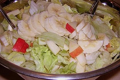 Eisbergsalat mit fruchtiger Note und Joghurt - Dressing 6