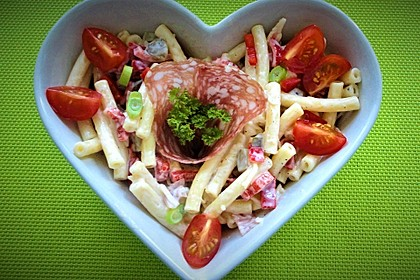 Nudelsalat mit Mayonnaise - Gurkenbrühe - Dressing 1