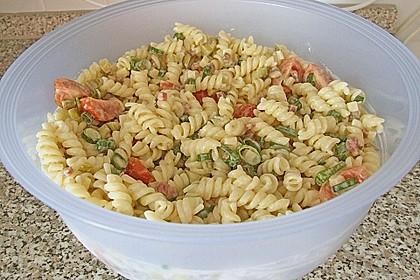 Nudelsalat mit Mayonnaise - Gurkenbrühe - Dressing 11