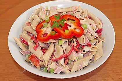 Nudelsalat mit Mayonnaise - Gurkenbrühe - Dressing 3