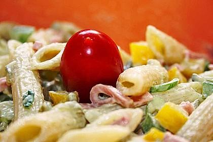 Nudelsalat mit Mayonnaise - Gurkenbrühe - Dressing 5