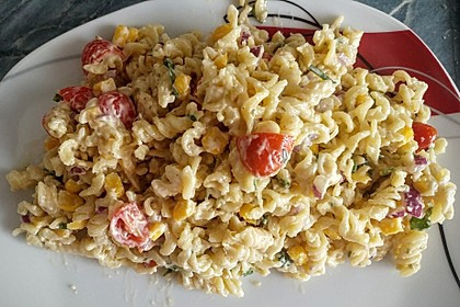 Nudelsalat mit Mayonnaise - Gurkenbrühe - Dressing 6