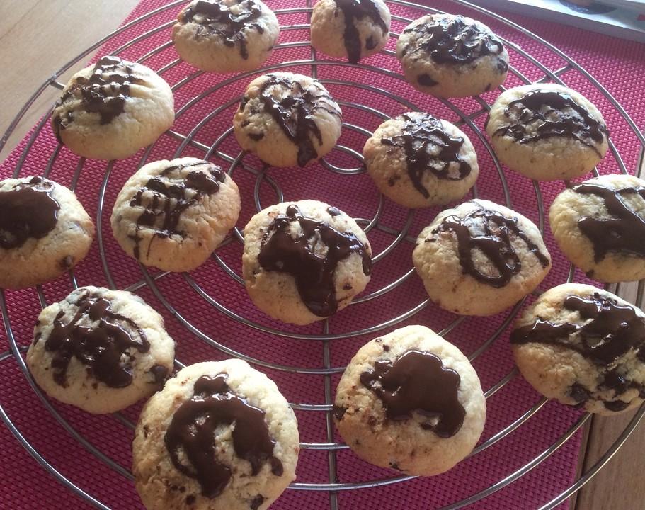 schokoladen kokos cookies von momo maus. Black Bedroom Furniture Sets. Home Design Ideas