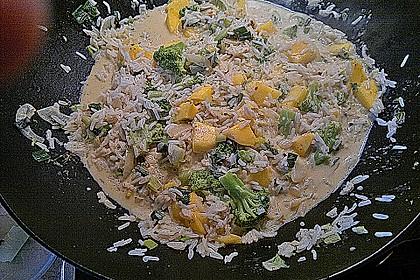 Reispfanne mit Mango und Brokkoli