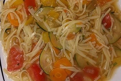 15 Minuten Gemüse-Nudel-Suppe 79