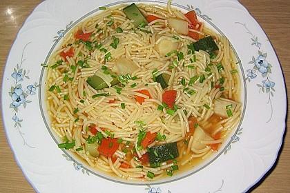 15 Minuten Gemüse-Nudel-Suppe 26
