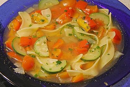 15 Minuten Gemüse-Nudel-Suppe 17