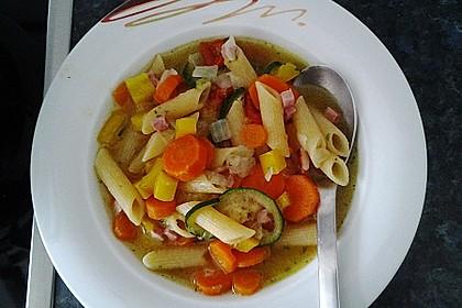 15 Minuten Gemüse-Nudel-Suppe 23