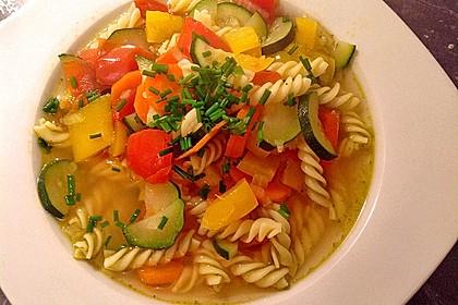 15 Minuten Gemüse-Nudel-Suppe 7