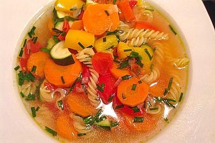 15 Minuten Gemüse-Nudel-Suppe 4