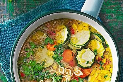 15 Minuten Gemüse-Nudel-Suppe