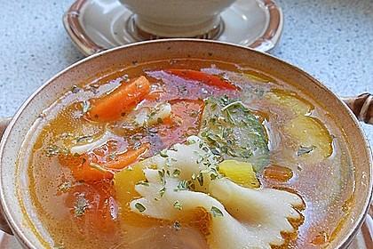 15 Minuten Gemüse-Nudel-Suppe 9