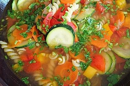 15 Minuten Gemüse-Nudel-Suppe 11