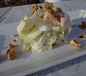 Iles leichter und gesunder Kilosalat mit Chicorée und Obst