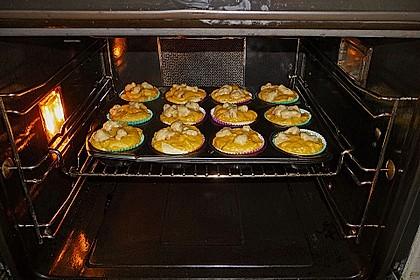 Pumpkin Cream Cheese Muffins 3