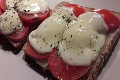 Toast Caprese 4