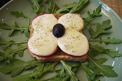 Toast Caprese 1