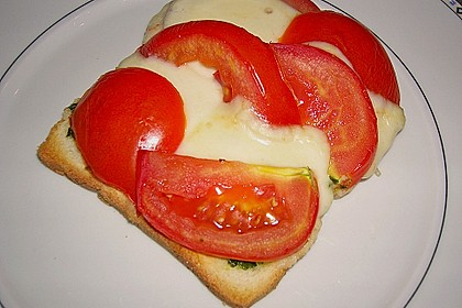 Toast Caprese 13