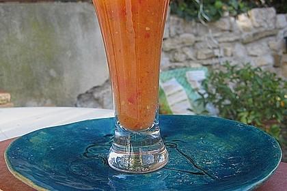 Wachmacher Smoothie aus Kaki, Orange und Tomate 3