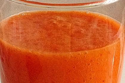 Wachmacher Smoothie aus Kaki, Orange und Tomate 7