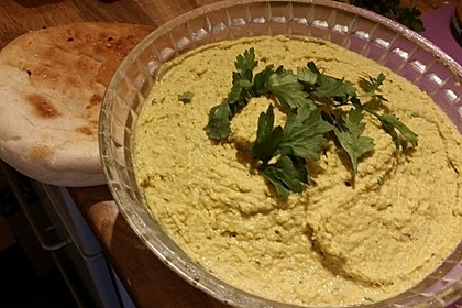 Hummus bi Tahina 16