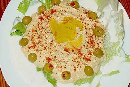 Hummus bi Tahina 31
