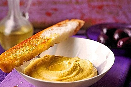 Hummus bi Tahina 4