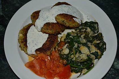Bulgur-Buletten mit würzigem Mandel-Spinat 1