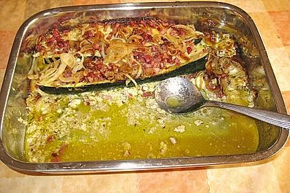 Zucchini - Hackfleisch - Schiffchen mit Kartoffel - Zucchini - Püfferchen und Bechamelsauce 6