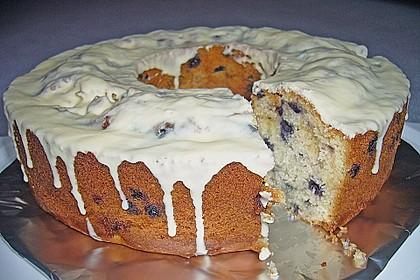 Rührkuchen mit Blaubeeren und weißer Schokolade 8