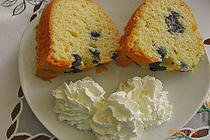 Rührkuchen mit Blaubeeren und weißer Schokolade 4