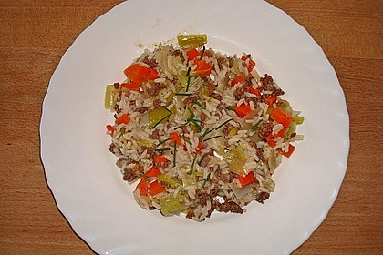 Porree - Topf mit Möhren und Reis