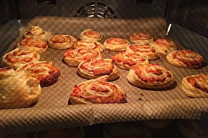 Blätterteig Pizza - Schnecken 10