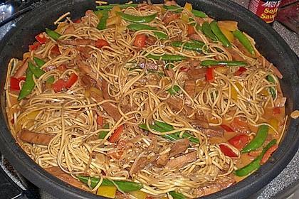 Asiatisches Nudel-Curry mit Hühnerbrustfilet 8