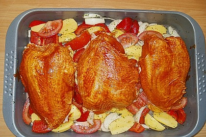 Hähnchenschlegel auf Kartoffel - Tomaten - Zwiebelgemüse 4