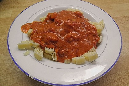 Spaghetti mit fruchtig - scharfer Tomatensoße 6