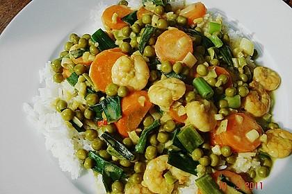 Garnelen - Curry mit Erbsen und Möhren