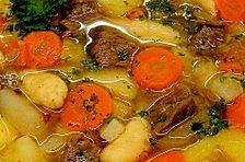 Deftige Kartoffelsuppe mit Klünkerle und Fleisch