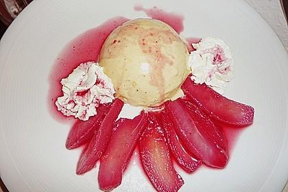 Weißes Lebkuchenmousse mit Glühweinbirnen 5