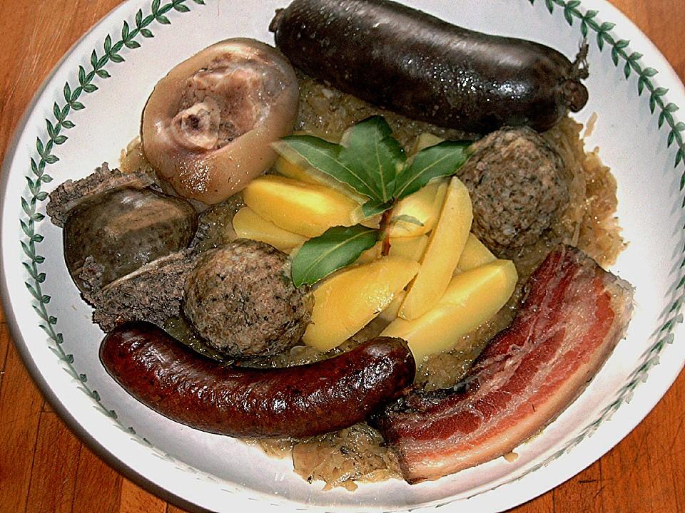 http://static.chefkoch-cdn.de/ck.de/rezepte/124/124965/141611-960x720-toeginger-bayrische-schlachtplatte.jpg