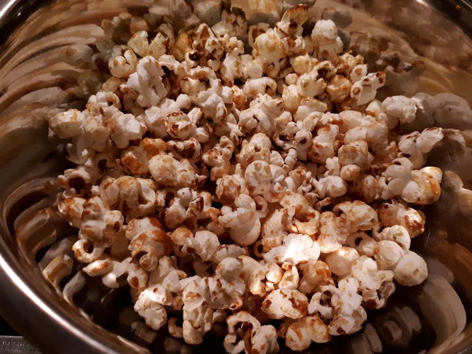 perfektes popcorn s von letzing. Black Bedroom Furniture Sets. Home Design Ideas