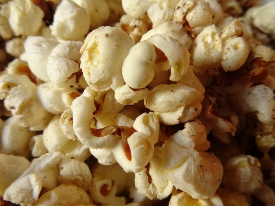 perfektes popcorn salzig rezept mit bild von letzing. Black Bedroom Furniture Sets. Home Design Ideas