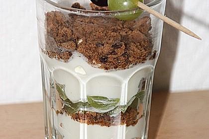 Dessert mit Weintrauben 32