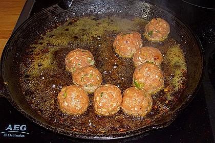Duftende Thai - Fleischbällchen mit Erdnuss - Sauce 8