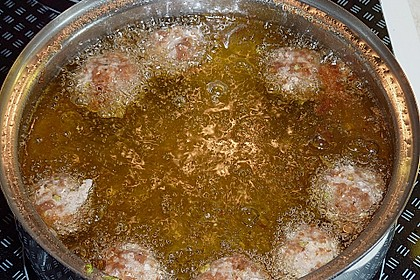 Duftende Thai - Fleischbällchen mit Erdnuss - Sauce 13