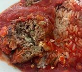 Hackfleischbällchen mit Schafskäse in Tomatensauce